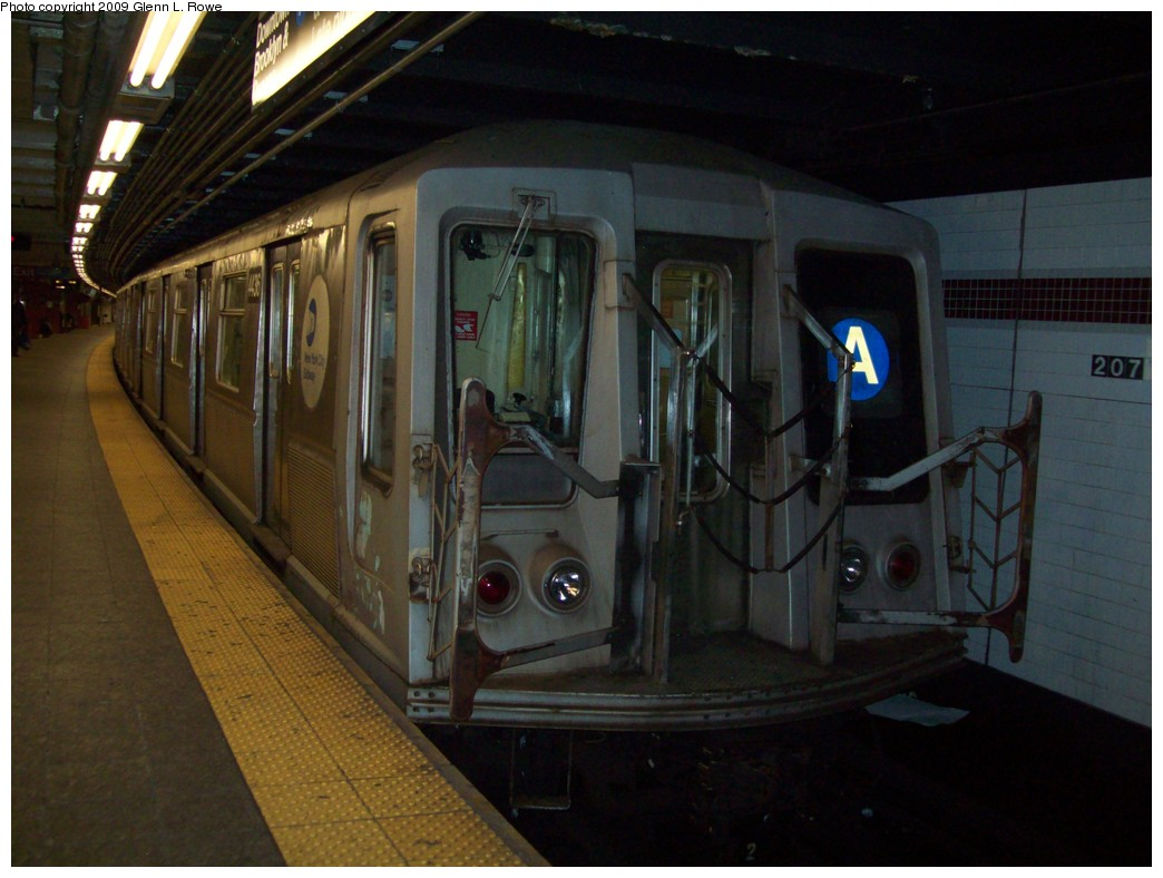 (183k, 1044x788)<br><b>Country:</b> United States<br><b>City:</b> New York<br><b>System:</b> New York City Transit<br><b>Line:</b> IND 8th Avenue Line<br><b>Location:</b> 207th Street <br><b>Route:</b> A<br><b>Car:</b> R-40 (St. Louis, 1968)  4436 <br><b>Photo by:</b> Glenn L. Rowe<br><b>Date:</b> 1/13/2009<br><b>Viewed (this week/total):</b> 4 / 473