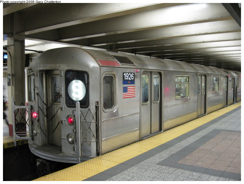 (129k, 820x620)<br><b>Country:</b> United States<br><b>City:</b> New York<br><b>System:</b> New York City Transit<br><b>Line:</b> IRT Times Square-Grand Central Shuttle<br><b>Location:</b> Grand Central <br><b>Route:</b> S<br><b>Car:</b> R-62A (Bombardier, 1984-1987)  1926 <br><b>Photo by:</b> Gary Chatterton<br><b>Date:</b> 1/12/2009<br><b>Viewed (this week/total):</b> 1 / 970