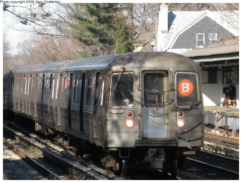 (170k, 820x620)<br><b>Country:</b> United States<br><b>City:</b> New York<br><b>System:</b> New York City Transit<br><b>Line:</b> BMT Brighton Line<br><b>Location:</b> Avenue H <br><b>Route:</b> B<br><b>Car:</b> R-68 (Westinghouse-Amrail, 1986-1988)  2832 <br><b>Photo by:</b> Gary Chatterton<br><b>Date:</b> 1/12/2009<br><b>Viewed (this week/total):</b> 0 / 864