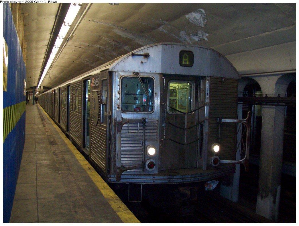 (193k, 1044x788)<br><b>Country:</b> United States<br><b>City:</b> New York<br><b>System:</b> New York City Transit<br><b>Line:</b> IND 8th Avenue Line<br><b>Location:</b> 190th Street/Overlook Terrace <br><b>Route:</b> A<br><b>Car:</b> R-32 (Budd, 1964)  3455 <br><b>Photo by:</b> Glenn L. Rowe<br><b>Date:</b> 1/20/2009<br><b>Viewed (this week/total):</b> 0 / 1198