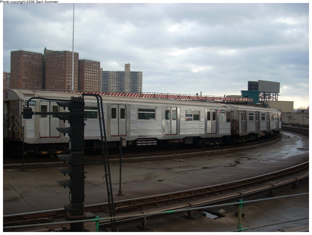 (214k, 1044x788)<br><b>Country:</b> United States<br><b>City:</b> New York<br><b>System:</b> New York City Transit<br><b>Location:</b> Coney Island/Stillwell Avenue<br><b>Route:</b> F<br><b>Car:</b> R-32 (Budd, 1964)  3895 <br><b>Photo by:</b> Zach Summer<br><b>Date:</b> 12/28/2008<br><b>Viewed (this week/total):</b> 0 / 889