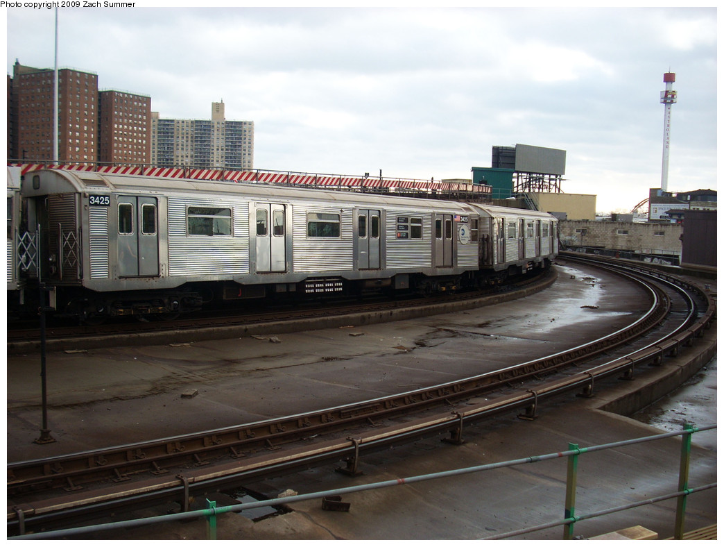 (248k, 1044x788)<br><b>Country:</b> United States<br><b>City:</b> New York<br><b>System:</b> New York City Transit<br><b>Location:</b> Coney Island/Stillwell Avenue<br><b>Route:</b> F<br><b>Car:</b> R-32 (Budd, 1964)  3425 <br><b>Photo by:</b> Zach Summer<br><b>Date:</b> 12/28/2008<br><b>Viewed (this week/total):</b> 3 / 977