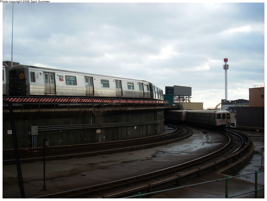 (193k, 1044x788)<br><b>Country:</b> United States<br><b>City:</b> New York<br><b>System:</b> New York City Transit<br><b>Location:</b> Coney Island/Stillwell Avenue<br><b>Route:</b> Q<br><b>Car:</b> R-68A (Kawasaki, 1988-1989)  5158 <br><b>Photo by:</b> Zach Summer<br><b>Date:</b> 12/28/2008<br><b>Viewed (this week/total):</b> 0 / 754