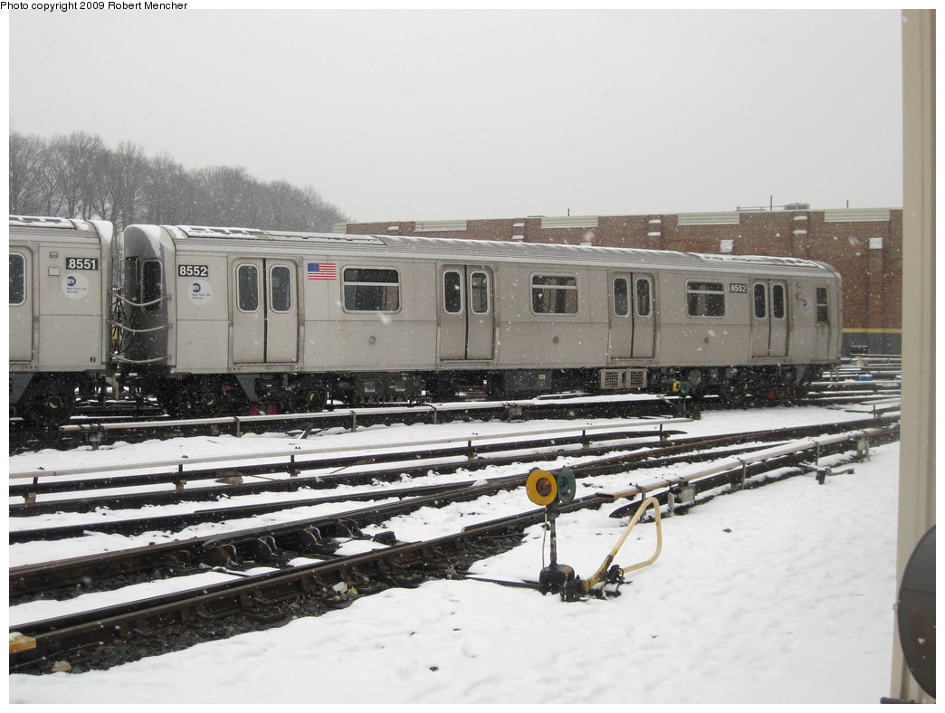 (201k, 1044x788)<br><b>Country:</b> United States<br><b>City:</b> New York<br><b>System:</b> New York City Transit<br><b>Location:</b> East New York Yard/Shops<br><b>Car:</b> R-160A-1 (Alstom, 2005-2008, 4 car sets)  8552 <br><b>Photo by:</b> Robert Mencher<br><b>Date:</b> 1/19/2009<br><b>Viewed (this week/total):</b> 1 / 589