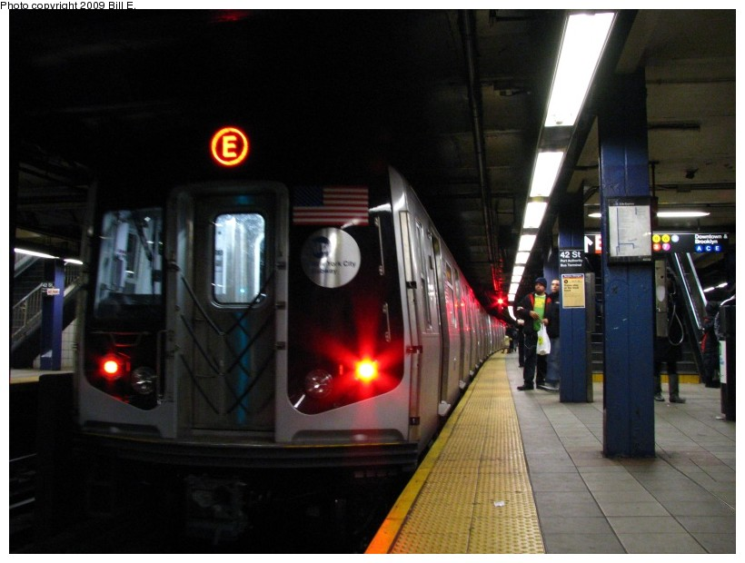 (112k, 820x620)<br><b>Country:</b> United States<br><b>City:</b> New York<br><b>System:</b> New York City Transit<br><b>Line:</b> IND 8th Avenue Line<br><b>Location:</b> 42nd Street/Port Authority Bus Terminal <br><b>Route:</b> E<br><b>Car:</b> R-160A (Option 1) (Alstom, 2008-2009, 5 car sets)  9268 <br><b>Photo by:</b> Bill E.<br><b>Date:</b> 1/17/2009<br><b>Viewed (this week/total):</b> 5 / 2187
