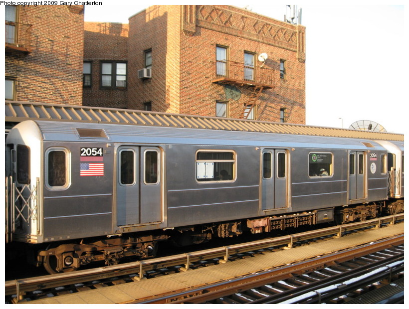 (172k, 820x620)<br><b>Country:</b> United States<br><b>City:</b> New York<br><b>System:</b> New York City Transit<br><b>Line:</b> IRT Flushing Line<br><b>Location:</b> 52nd Street/Lincoln Avenue <br><b>Route:</b> 7<br><b>Car:</b> R-62A (Bombardier, 1984-1987)  2054 <br><b>Photo by:</b> Gary Chatterton<br><b>Date:</b> 1/22/2009<br><b>Viewed (this week/total):</b> 2 / 539