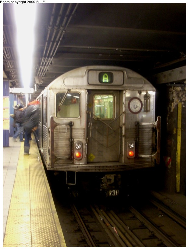 (135k, 620x820)<br><b>Country:</b> United States<br><b>City:</b> New York<br><b>System:</b> New York City Transit<br><b>Line:</b> IND 8th Avenue Line<br><b>Location:</b> Chambers Street/World Trade Center <br><b>Route:</b> A<br><b>Car:</b> R-38 (St. Louis, 1966-1967)   <br><b>Photo by:</b> Bill E.<br><b>Date:</b> 1/3/2009<br><b>Viewed (this week/total):</b> 1 / 959