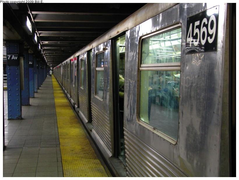 (139k, 820x620)<br><b>Country:</b> United States<br><b>City:</b> New York<br><b>System:</b> New York City Transit<br><b>Line:</b> IND Queens Boulevard Line<br><b>Location:</b> 7th Avenue/53rd Street <br><b>Route:</b> E<br><b>Car:</b> R-42 (St. Louis, 1969-1970)  4569 <br><b>Photo by:</b> Bill E.<br><b>Date:</b> 12/29/2008<br><b>Viewed (this week/total):</b> 1 / 762