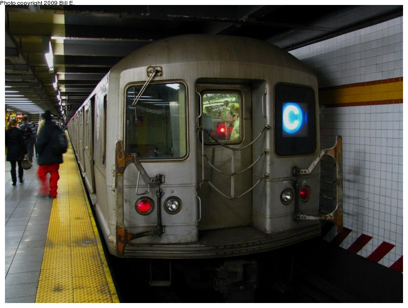 (122k, 820x620)<br><b>Country:</b> United States<br><b>City:</b> New York<br><b>System:</b> New York City Transit<br><b>Line:</b> IND 8th Avenue Line<br><b>Location:</b> 14th Street <br><b>Route:</b> C<br><b>Car:</b> R-40M (St. Louis, 1969)   <br><b>Photo by:</b> Bill E.<br><b>Date:</b> 12/29/2008<br><b>Viewed (this week/total):</b> 1 / 950
