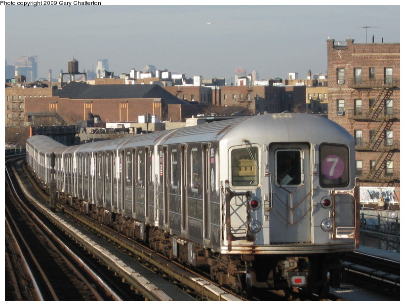 (154k, 820x620)<br><b>Country:</b> United States<br><b>City:</b> New York<br><b>System:</b> New York City Transit<br><b>Line:</b> IRT Flushing Line<br><b>Location:</b> 52nd Street/Lincoln Avenue <br><b>Route:</b> 7<br><b>Car:</b> R-62A (Bombardier, 1984-1987)  2058 <br><b>Photo by:</b> Gary Chatterton<br><b>Date:</b> 12/4/2008<br><b>Viewed (this week/total):</b> 0 / 1233