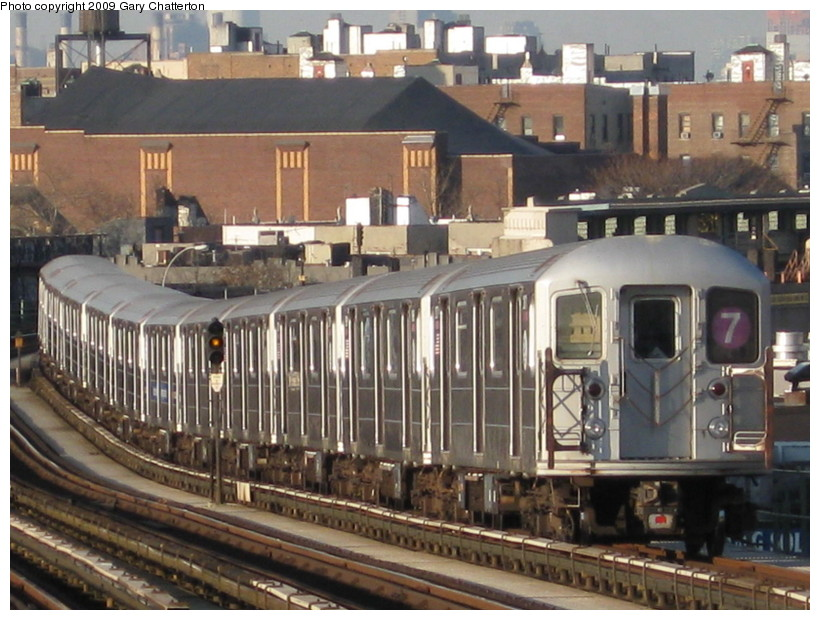 (154k, 820x620)<br><b>Country:</b> United States<br><b>City:</b> New York<br><b>System:</b> New York City Transit<br><b>Line:</b> IRT Flushing Line<br><b>Location:</b> 52nd Street/Lincoln Avenue <br><b>Route:</b> 7<br><b>Car:</b> R-62A (Bombardier, 1984-1987)  2071 <br><b>Photo by:</b> Gary Chatterton<br><b>Date:</b> 12/4/2008<br><b>Viewed (this week/total):</b> 3 / 556