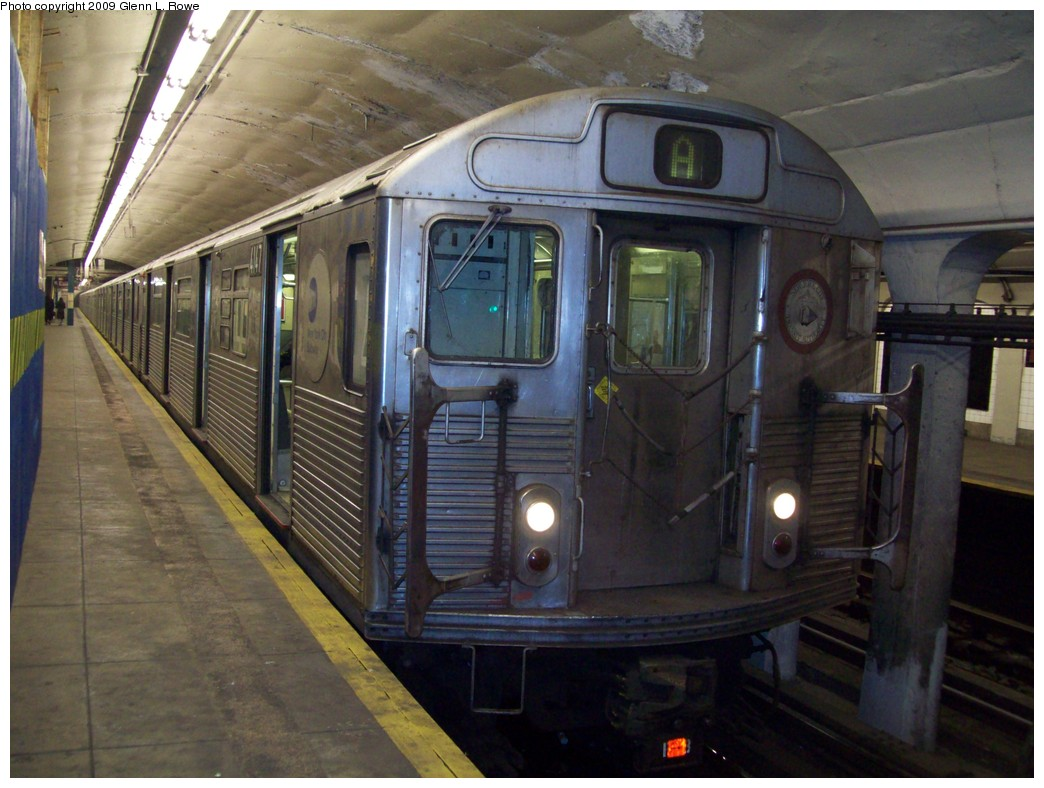 (207k, 1044x788)<br><b>Country:</b> United States<br><b>City:</b> New York<br><b>System:</b> New York City Transit<br><b>Line:</b> IND 8th Avenue Line<br><b>Location:</b> 190th Street/Overlook Terrace <br><b>Route:</b> A<br><b>Car:</b> R-38 (St. Louis, 1966-1967)  4147 <br><b>Photo by:</b> Glenn L. Rowe<br><b>Date:</b> 1/30/2009<br><b>Viewed (this week/total):</b> 2 / 933