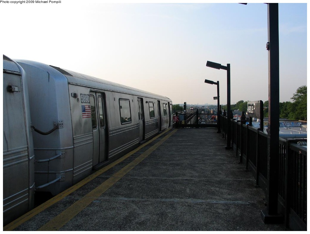 (158k, 1044x788)<br><b>Country:</b> United States<br><b>City:</b> New York<br><b>System:</b> New York City Transit<br><b>Line:</b> BMT Culver Line<br><b>Location:</b> Avenue P <br><b>Route:</b> F<br><b>Car:</b> R-46 (Pullman-Standard, 1974-75) 5890 <br><b>Photo by:</b> Michael Pompili<br><b>Date:</b> 5/27/2004<br><b>Viewed (this week/total):</b> 2 / 410