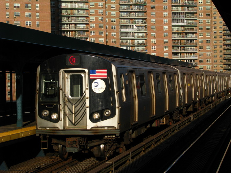 (166k, 800x600)<br><b>Country:</b> United States<br><b>City:</b> New York<br><b>System:</b> New York City Transit<br><b>Line:</b> BMT Brighton Line<br><b>Location:</b> West 8th Street <br><b>Route:</b> Q<br><b>Car:</b> R-160B (Kawasaki, 2005-2008)  8717 <br><b>Photo by:</b> Andrew Johnson<br><b>Date:</b> 2/9/2009<br><b>Viewed (this week/total):</b> 2 / 1293