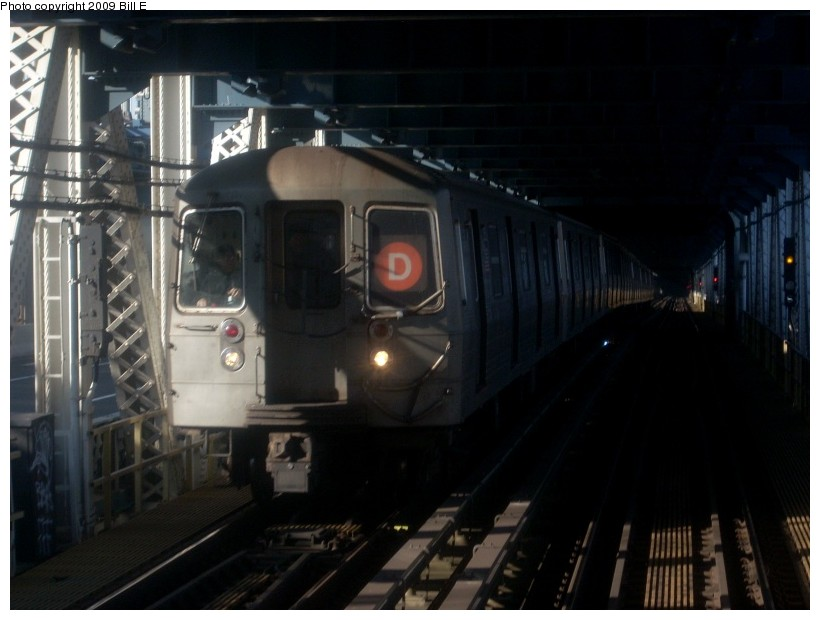 (132k, 820x620)<br><b>Country:</b> United States<br><b>City:</b> New York<br><b>System:</b> New York City Transit<br><b>Location:</b> Manhattan Bridge<br><b>Route:</b> D<br><b>Car:</b> R-68/R-68A Series (Number Unknown)  <br><b>Photo by:</b> Bill E.<br><b>Date:</b> 1/29/2009<br><b>Viewed (this week/total):</b> 14 / 1968