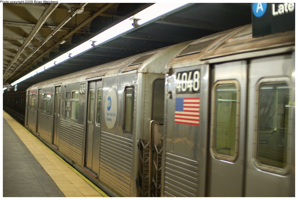 (216k, 1044x700)<br><b>Country:</b> United States<br><b>City:</b> New York<br><b>System:</b> New York City Transit<br><b>Line:</b> IND 8th Avenue Line<br><b>Location:</b> 168th Street <br><b>Route:</b> C<br><b>Car:</b> R-38 (St. Louis, 1966-1967)  4049 <br><b>Photo by:</b> Brian Weinberg<br><b>Date:</b> 2/19/2009<br><b>Viewed (this week/total):</b> 5 / 736
