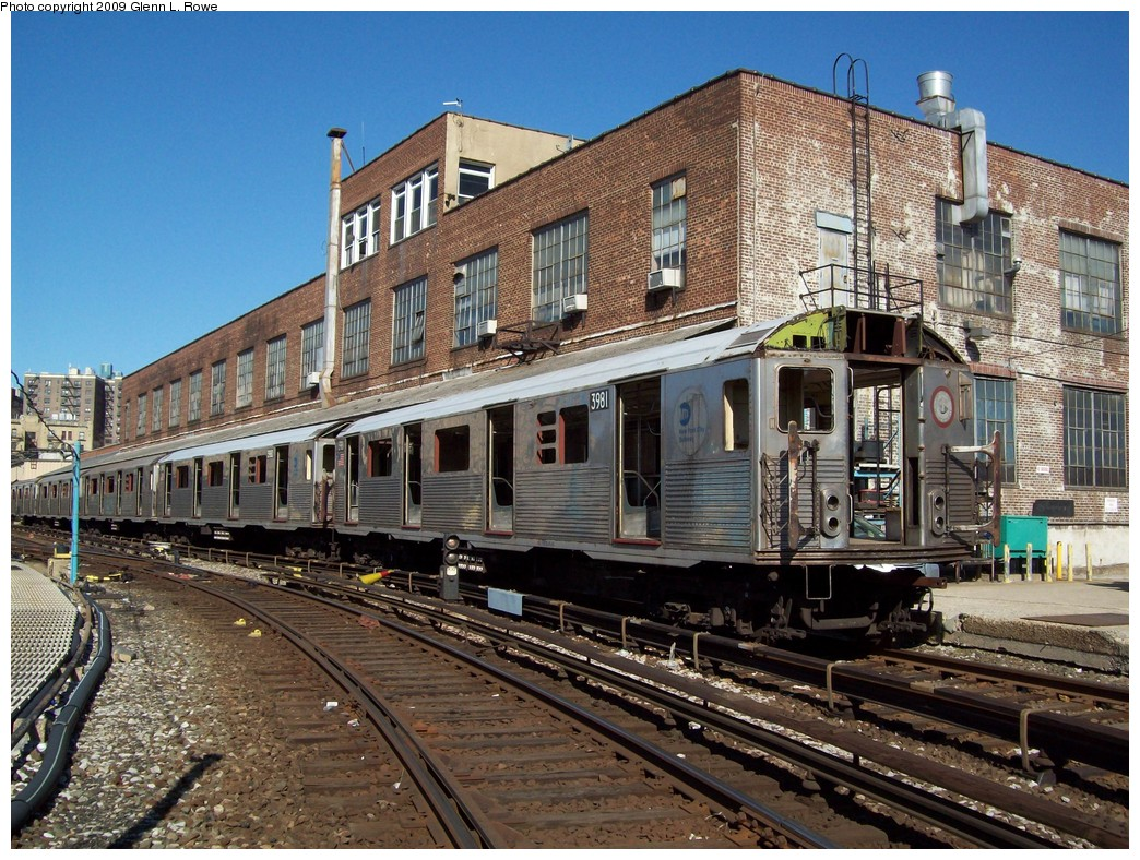 (308k, 1044x788)<br><b>Country:</b> United States<br><b>City:</b> New York<br><b>System:</b> New York City Transit<br><b>Location:</b> 207th Street Yard<br><b>Car:</b> R-38 (St. Louis, 1966-1967)  3981/3980 <br><b>Photo by:</b> Glenn L. Rowe<br><b>Date:</b> 2/25/2009<br><b>Notes:</b> Scrap<br><b>Viewed (this week/total):</b> 0 / 1392