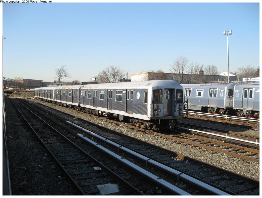 (228k, 1044x788)<br><b>Country:</b> United States<br><b>City:</b> New York<br><b>System:</b> New York City Transit<br><b>Location:</b> East New York Yard/Shops<br><b>Car:</b> R-42 (St. Louis, 1969-1970)  4822 <br><b>Photo by:</b> Robert Mencher<br><b>Date:</b> 2/25/2009<br><b>Viewed (this week/total):</b> 0 / 498
