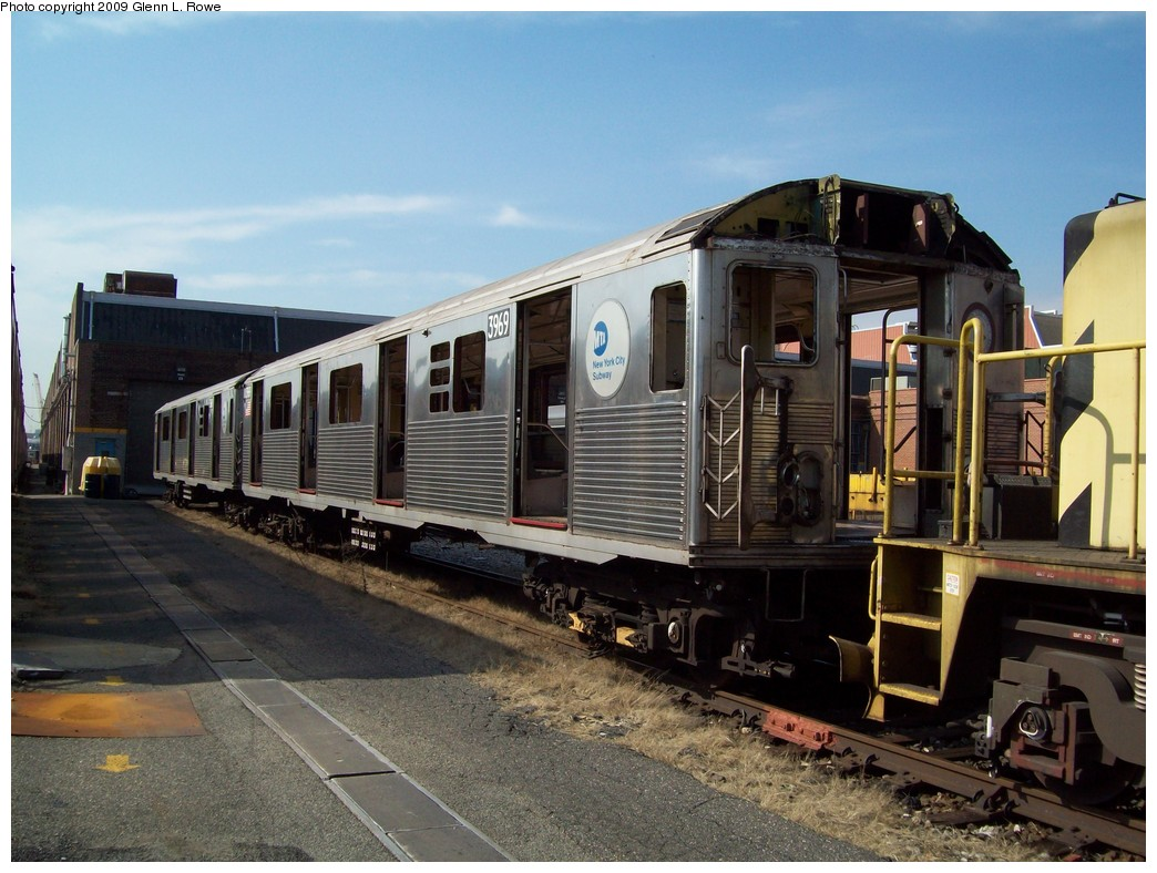 (225k, 1044x788)<br><b>Country:</b> United States<br><b>City:</b> New York<br><b>System:</b> New York City Transit<br><b>Location:</b> 207th Street Yard<br><b>Car:</b> R-38 (St. Louis, 1966-1967)  3969 <br><b>Photo by:</b> Glenn L. Rowe<br><b>Date:</b> 2/27/2009<br><b>Notes:</b> Scrap<br><b>Viewed (this week/total):</b> 0 / 1192
