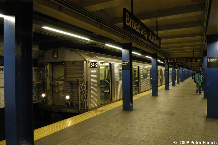 (201k, 930x618)<br><b>Country:</b> United States<br><b>City:</b> New York<br><b>System:</b> New York City Transit<br><b>Line:</b> IND Fulton Street Line<br><b>Location:</b> Broadway/East New York (Broadway Junction) <br><b>Route:</b> C<br><b>Car:</b> R-32 (Budd, 1964)  3419 <br><b>Photo by:</b> Peter Ehrlich<br><b>Date:</b> 2/24/2009<br><b>Notes:</b> Inbound<br><b>Viewed (this week/total):</b> 2 / 739