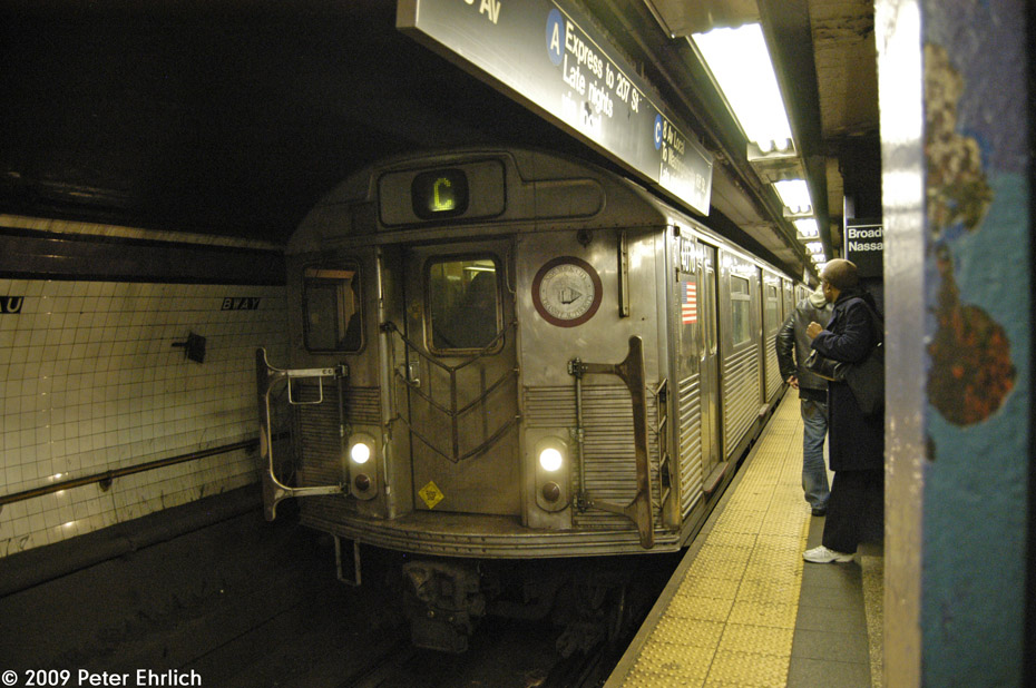 (207k, 930x618)<br><b>Country:</b> United States<br><b>City:</b> New York<br><b>System:</b> New York City Transit<br><b>Line:</b> IND 8th Avenue Line<br><b>Location:</b> Fulton Street (Broadway/Nassau) <br><b>Route:</b> C<br><b>Car:</b> R-38 (St. Louis, 1966-1967)  4070 <br><b>Photo by:</b> Peter Ehrlich<br><b>Date:</b> 2/19/2009<br><b>Notes:</b> Inbound<br><b>Viewed (this week/total):</b> 0 / 1478