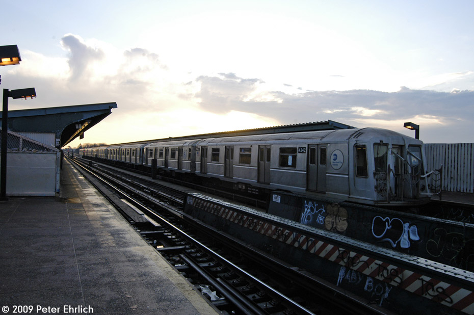 (172k, 930x618)<br><b>Country:</b> United States<br><b>City:</b> New York<br><b>System:</b> New York City Transit<br><b>Line:</b> IND Fulton Street Line<br><b>Location:</b> 80th Street/Hudson Street <br><b>Route:</b> A<br><b>Car:</b> R-40 (St. Louis, 1968)  4342 <br><b>Photo by:</b> Peter Ehrlich<br><b>Date:</b> 2/19/2009<br><b>Notes:</b> Outbound<br><b>Viewed (this week/total):</b> 1 / 496