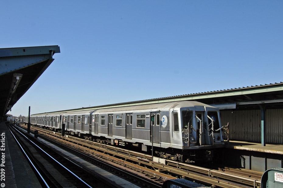 (173k, 930x618)<br><b>Country:</b> United States<br><b>City:</b> New York<br><b>System:</b> New York City Transit<br><b>Line:</b> IND Fulton Street Line<br><b>Location:</b> Rockaway Boulevard <br><b>Route:</b> A<br><b>Car:</b> R-40 (St. Louis, 1968)  4448 <br><b>Photo by:</b> Peter Ehrlich<br><b>Date:</b> 2/24/2009<br><b>Notes:</b> Inbound<br><b>Viewed (this week/total):</b> 3 / 372