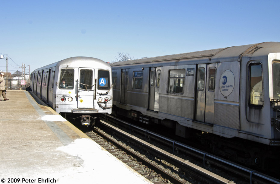 (168k, 930x610)<br><b>Country:</b> United States<br><b>City:</b> New York<br><b>System:</b> New York City Transit<br><b>Line:</b> IND Rockaway<br><b>Location:</b> Beach 25th Street/Wavecrest <br><b>Route:</b> A<br><b>Car:</b> R-44 (St. Louis, 1971-73) 5280 <br><b>Photo by:</b> Peter Ehrlich<br><b>Date:</b> 2/24/2009<br><b>Notes:</b> Inbound, with 4286 outbound.<br><b>Viewed (this week/total):</b> 2 / 998