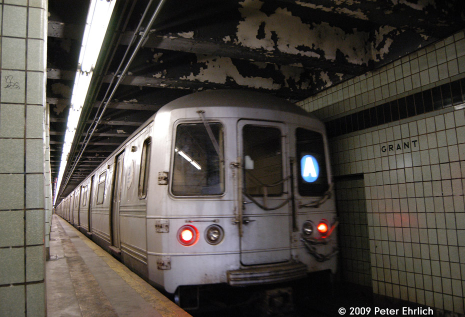 (208k, 930x635)<br><b>Country:</b> United States<br><b>City:</b> New York<br><b>System:</b> New York City Transit<br><b>Line:</b> IND Fulton Street Line<br><b>Location:</b> Grant Avenue <br><b>Route:</b> A<br><b>Car:</b> R-44 (St. Louis, 1971-73) 5290 <br><b>Photo by:</b> Peter Ehrlich<br><b>Date:</b> 2/24/2009<br><b>Notes:</b> Inbound<br><b>Viewed (this week/total):</b> 0 / 994