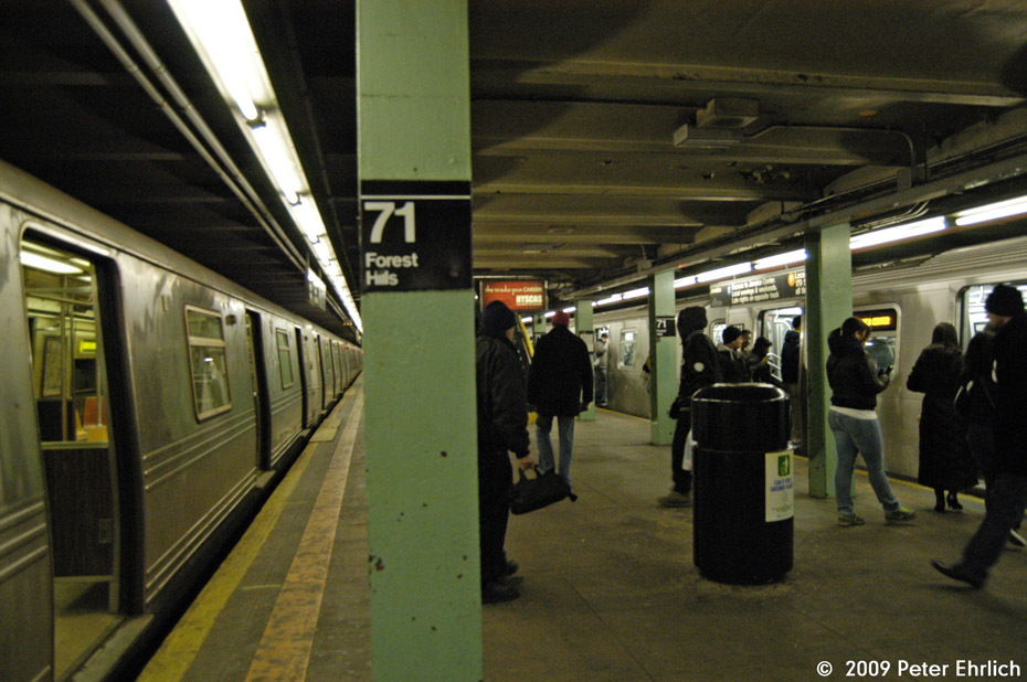 (205k, 930x618)<br><b>Country:</b> United States<br><b>City:</b> New York<br><b>System:</b> New York City Transit<br><b>Line:</b> IND Queens Boulevard Line<br><b>Location:</b> 71st/Continental Aves./Forest Hills <br><b>Route:</b> G<br><b>Car:</b> R-46 (Pullman-Standard, 1974-75) 6046 <br><b>Photo by:</b> Peter Ehrlich<br><b>Date:</b> 2/24/2009<br><b>Notes:</b> Outbound<br><b>Viewed (this week/total):</b> 3 / 1039