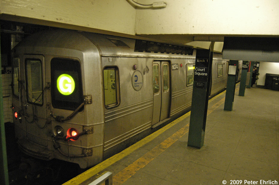(192k, 930x618)<br><b>Country:</b> United States<br><b>City:</b> New York<br><b>System:</b> New York City Transit<br><b>Line:</b> IND Crosstown Line<br><b>Location:</b> Court Square <br><b>Route:</b> G<br><b>Car:</b> R-46 (Pullman-Standard, 1974-75) 6074 <br><b>Photo by:</b> Peter Ehrlich<br><b>Date:</b> 2/24/2009<br><b>Viewed (this week/total):</b> 1 / 1130