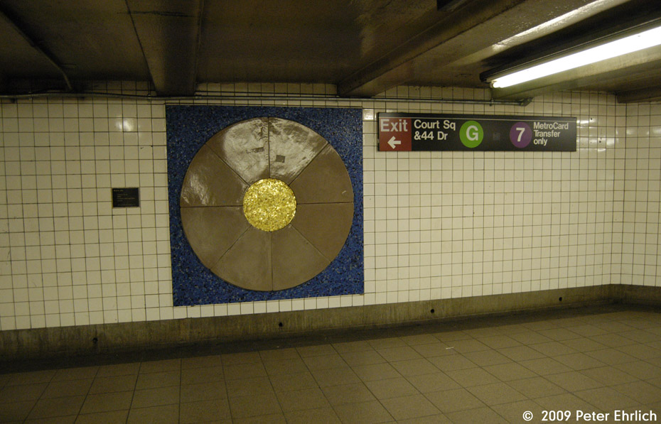 (184k, 930x597)<br><b>Country:</b> United States<br><b>City:</b> New York<br><b>System:</b> New York City Transit<br><b>Line:</b> IND Queens Boulevard Line<br><b>Location:</b> Court Square/23rd St (Ely Avenue) <br><b>Photo by:</b> Peter Ehrlich<br><b>Date:</b> 2/24/2009<br><b>Artwork:</b> <i>Temple Quad Reliefs</i>, Frank Olt (1992).<br><b>Viewed (this week/total):</b> 0 / 1069