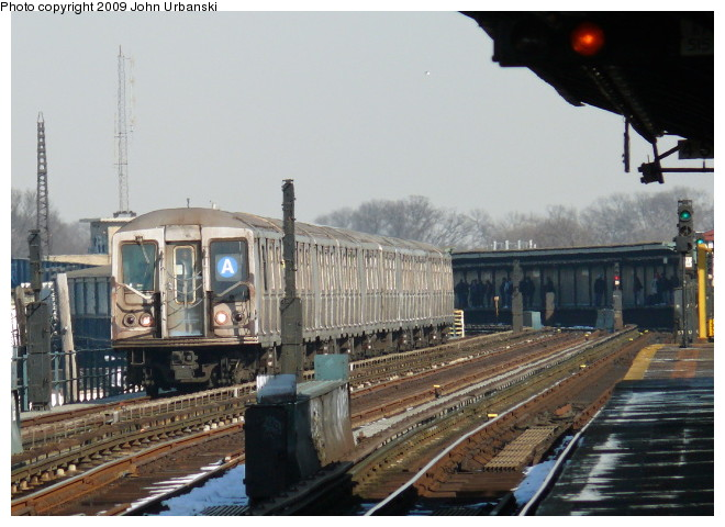 (94k, 660x480)<br><b>Country:</b> United States<br><b>City:</b> New York<br><b>System:</b> New York City Transit<br><b>Line:</b> IND Fulton Street Line<br><b>Location:</b> Rockaway Boulevard <br><b>Route:</b> A<br><b>Car:</b> R-40 (St. Louis, 1968)  4370 <br><b>Photo by:</b> John Urbanski<br><b>Date:</b> 3/5/2009<br><b>Viewed (this week/total):</b> 2 / 756