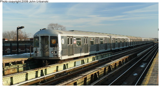 (82k, 660x364)<br><b>Country:</b> United States<br><b>City:</b> New York<br><b>System:</b> New York City Transit<br><b>Line:</b> BMT Culver Line<br><b>Location:</b> Avenue I <br><b>Route:</b> F<br><b>Car:</b> R-42 (St. Louis, 1969-1970)  4646 <br><b>Photo by:</b> John Urbanski<br><b>Date:</b> 3/5/2009<br><b>Viewed (this week/total):</b> 2 / 956