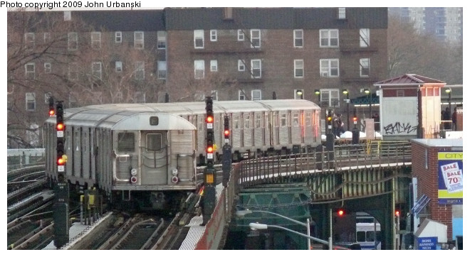 (90k, 660x362)<br><b>Country:</b> United States<br><b>City:</b> New York<br><b>System:</b> New York City Transit<br><b>Line:</b> BMT Culver Line<br><b>Location:</b> Avenue P <br><b>Route:</b> F<br><b>Car:</b> R-32 (Budd, 1964)   <br><b>Photo by:</b> John Urbanski<br><b>Date:</b> 3/5/2009<br><b>Viewed (this week/total):</b> 1 / 1199