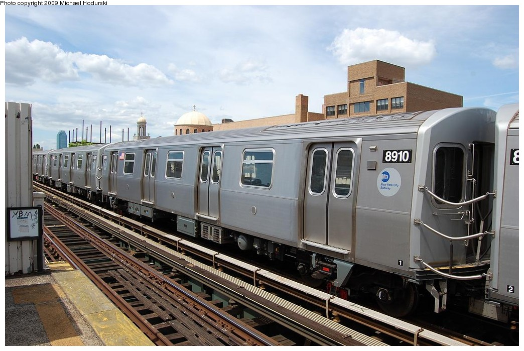 (243k, 1044x699)<br><b>Country:</b> United States<br><b>City:</b> New York<br><b>System:</b> New York City Transit<br><b>Line:</b> BMT Astoria Line<br><b>Location:</b> 30th/Grand Aves. <br><b>Route:</b> N Lay-up<br><b>Car:</b> R-160B (Kawasaki, 2005-2008)  8910 <br><b>Photo by:</b> Michael Hodurski<br><b>Date:</b> 5/23/2008<br><b>Viewed (this week/total):</b> 1 / 919
