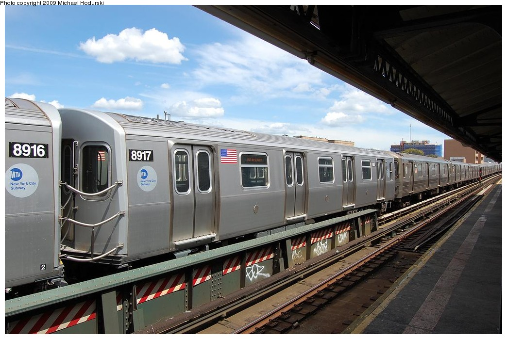 (230k, 1044x699)<br><b>Country:</b> United States<br><b>City:</b> New York<br><b>System:</b> New York City Transit<br><b>Line:</b> BMT Astoria Line<br><b>Location:</b> 30th/Grand Aves. <br><b>Route:</b> N Lay-up<br><b>Car:</b> R-160B (Kawasaki, 2005-2008)  8917 <br><b>Photo by:</b> Michael Hodurski<br><b>Date:</b> 5/23/2008<br><b>Viewed (this week/total):</b> 0 / 672