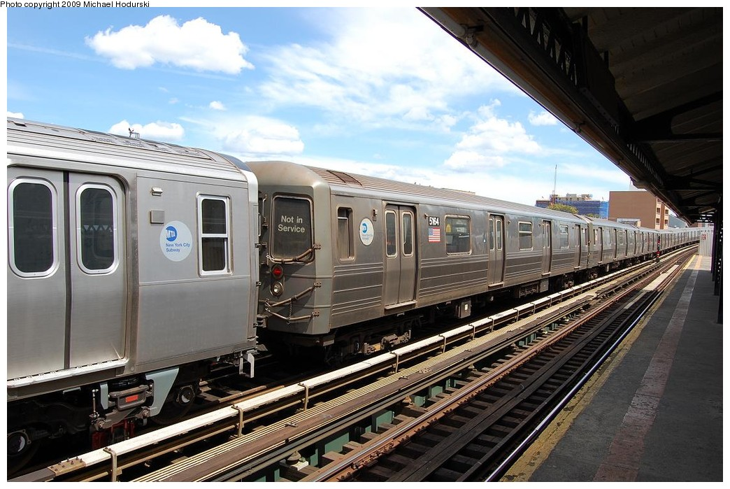 (246k, 1044x699)<br><b>Country:</b> United States<br><b>City:</b> New York<br><b>System:</b> New York City Transit<br><b>Line:</b> BMT Astoria Line<br><b>Location:</b> 30th/Grand Aves. <br><b>Route:</b> N Lay-up<br><b>Car:</b> R-68A (Kawasaki, 1988-1989)  5164 <br><b>Photo by:</b> Michael Hodurski<br><b>Date:</b> 5/23/2008<br><b>Viewed (this week/total):</b> 19 / 1438