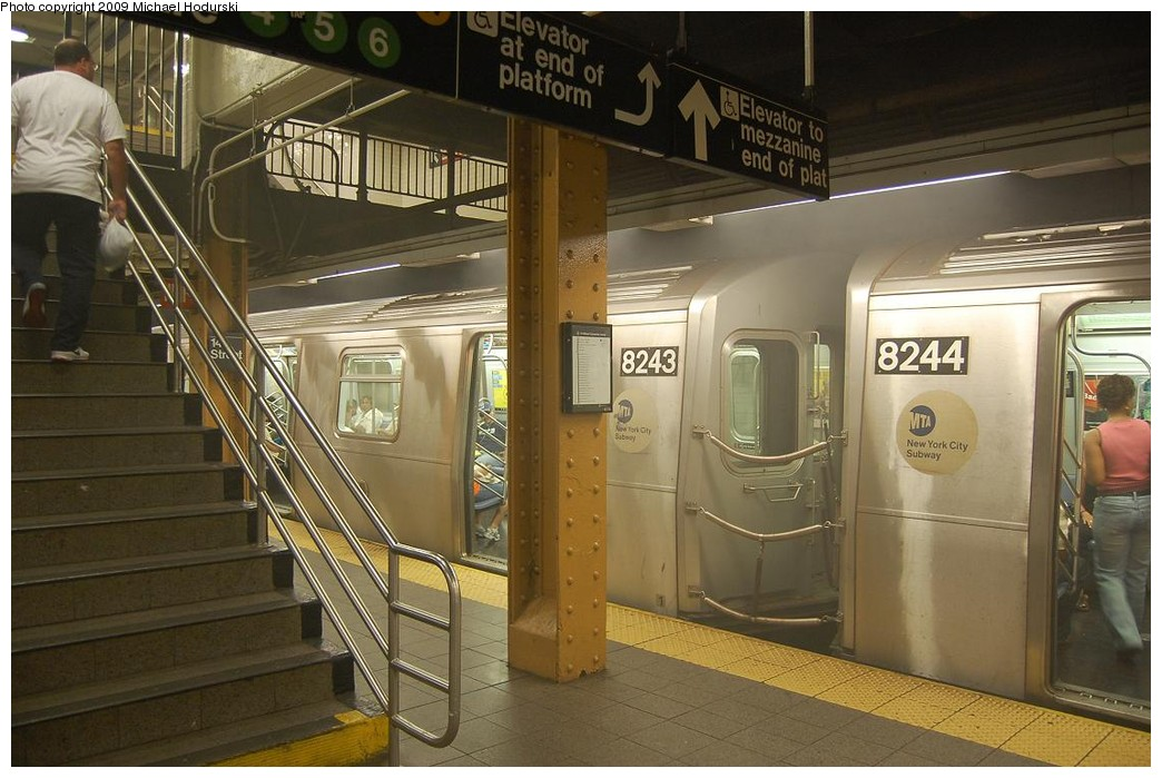 (222k, 1044x699)<br><b>Country:</b> United States<br><b>City:</b> New York<br><b>System:</b> New York City Transit<br><b>Line:</b> BMT Canarsie Line<br><b>Location:</b> Union Square <br><b>Route:</b> L<br><b>Car:</b> R-143 (Kawasaki, 2001-2002) 8243 <br><b>Photo by:</b> Michael Hodurski<br><b>Date:</b> 6/6/2008<br><b>Viewed (this week/total):</b> 2 / 1562