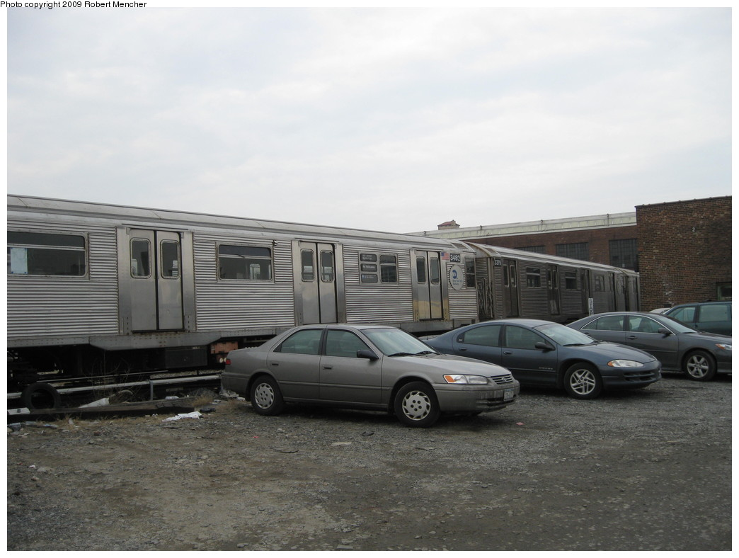 (176k, 1044x788)<br><b>Country:</b> United States<br><b>City:</b> New York<br><b>System:</b> New York City Transit<br><b>Location:</b> 207th Street Yard<br><b>Car:</b> R-32 (Budd, 1964)  3482 <br><b>Photo by:</b> Robert Mencher<br><b>Date:</b> 3/7/2009<br><b>Viewed (this week/total):</b> 1 / 512