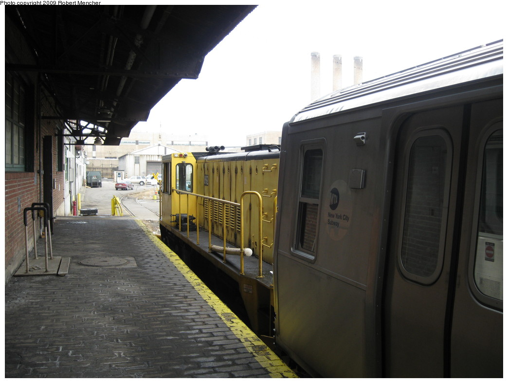 (174k, 1044x788)<br><b>Country:</b> United States<br><b>City:</b> New York<br><b>System:</b> New York City Transit<br><b>Location:</b> 207th Street Yard<br><b>Car:</b> R-77 Locomotive  892 <br><b>Photo by:</b> Robert Mencher<br><b>Date:</b> 3/7/2009<br><b>Viewed (this week/total):</b> 0 / 478