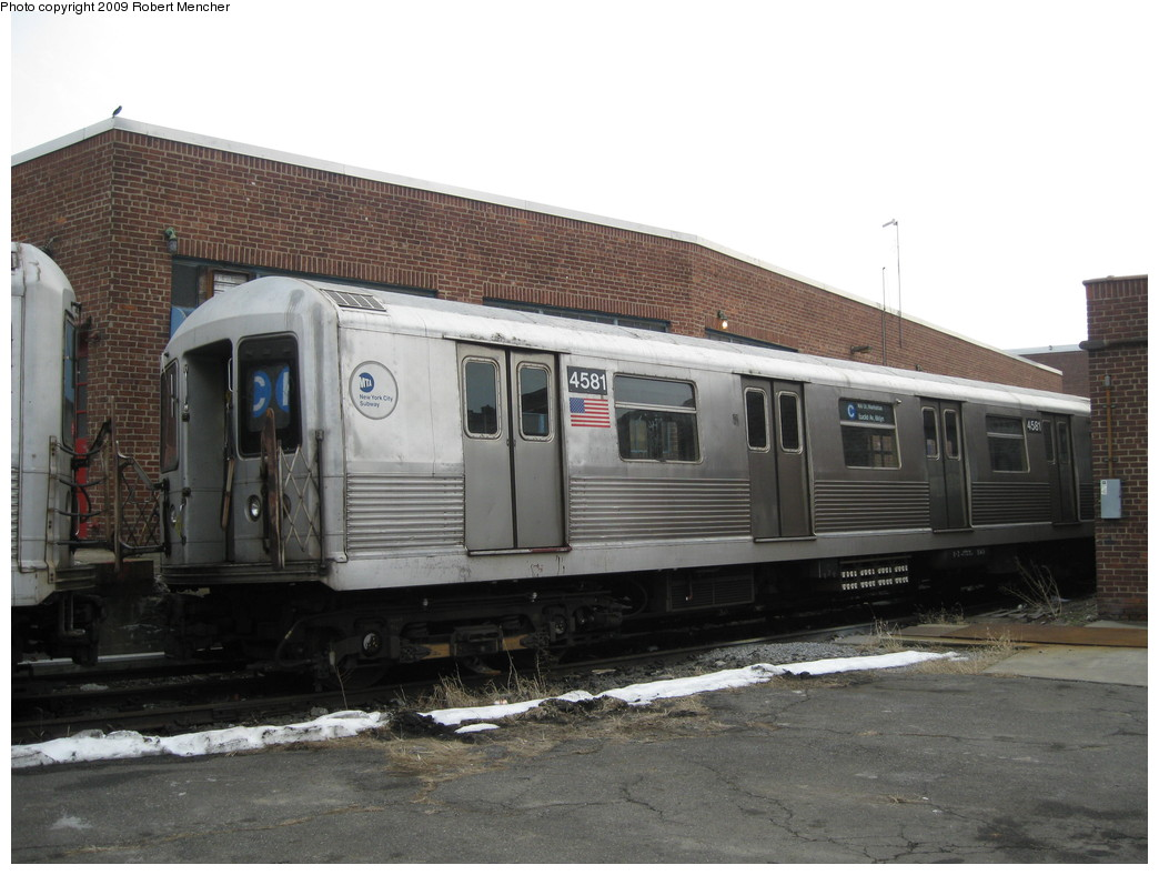 (192k, 1044x788)<br><b>Country:</b> United States<br><b>City:</b> New York<br><b>System:</b> New York City Transit<br><b>Location:</b> 207th Street Yard<br><b>Car:</b> R-42 (St. Louis, 1969-1970)  4581 <br><b>Photo by:</b> Robert Mencher<br><b>Date:</b> 3/7/2009<br><b>Viewed (this week/total):</b> 0 / 824