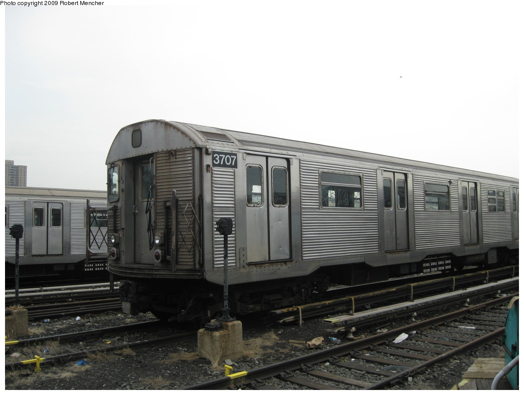 (173k, 1044x788)<br><b>Country:</b> United States<br><b>City:</b> New York<br><b>System:</b> New York City Transit<br><b>Location:</b> 207th Street Yard<br><b>Car:</b> R-32 (Budd, 1964)  3707 <br><b>Photo by:</b> Robert Mencher<br><b>Date:</b> 3/7/2009<br><b>Viewed (this week/total):</b> 2 / 419