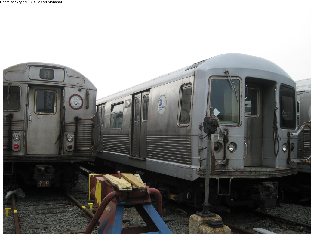 (158k, 1044x788)<br><b>Country:</b> United States<br><b>City:</b> New York<br><b>System:</b> New York City Transit<br><b>Location:</b> 207th Street Yard<br><b>Car:</b> R-42 (St. Louis, 1969-1970)  4734 <br><b>Photo by:</b> Robert Mencher<br><b>Date:</b> 3/7/2009<br><b>Viewed (this week/total):</b> 0 / 486