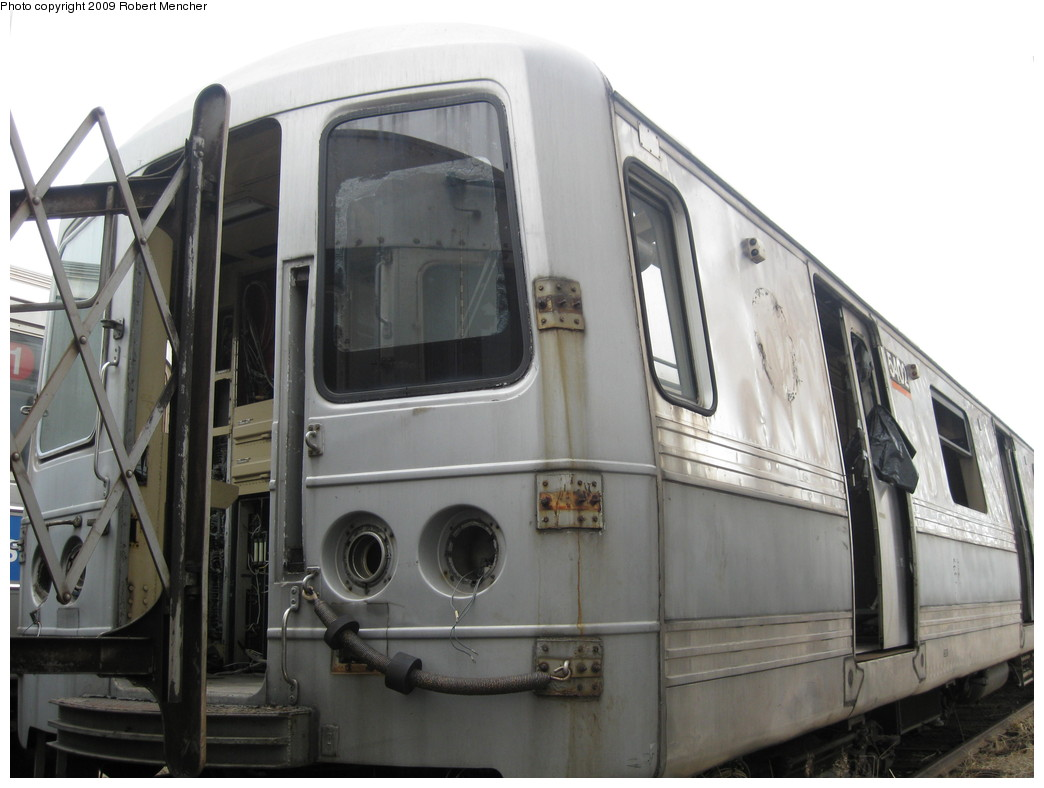 (170k, 1044x788)<br><b>Country:</b> United States<br><b>City:</b> New York<br><b>System:</b> New York City Transit<br><b>Location:</b> 207th Street Yard<br><b>Car:</b> R-44 (St. Louis, 1971-73) 5402 <br><b>Photo by:</b> Robert Mencher<br><b>Date:</b> 3/7/2009<br><b>Notes:</b> Scrap<br><b>Viewed (this week/total):</b> 7 / 1402