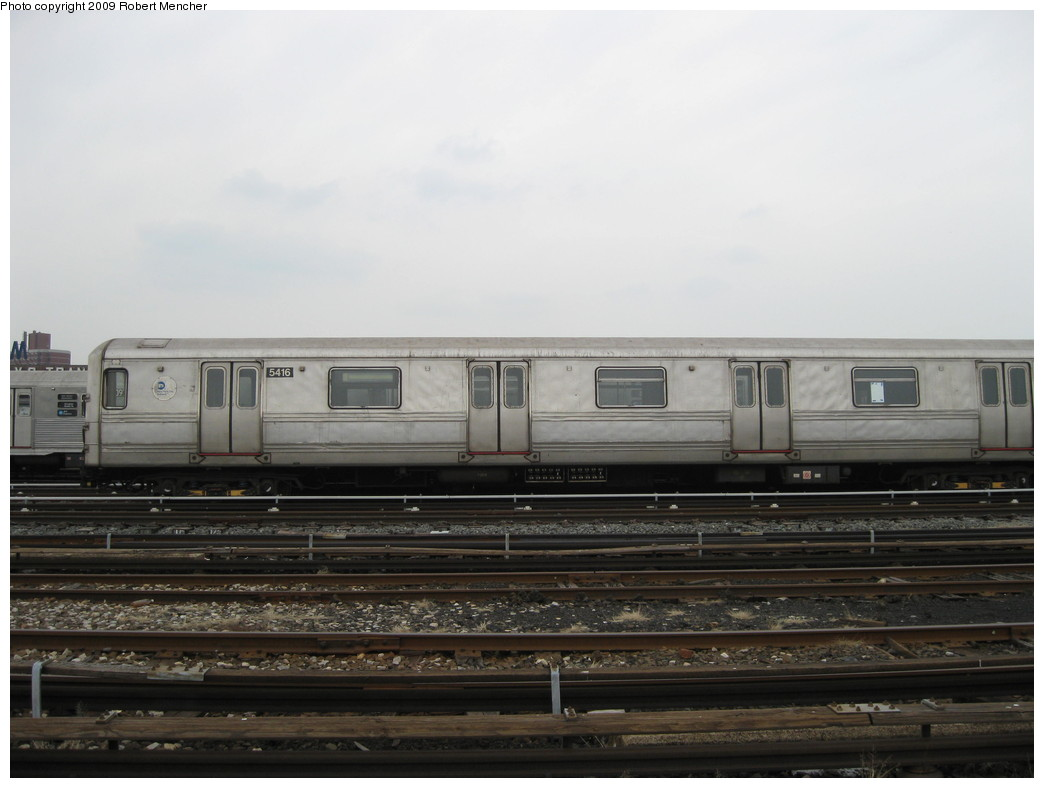 (152k, 1044x788)<br><b>Country:</b> United States<br><b>City:</b> New York<br><b>System:</b> New York City Transit<br><b>Location:</b> 207th Street Yard<br><b>Car:</b> R-44 (St. Louis, 1971-73) 5416 <br><b>Photo by:</b> Robert Mencher<br><b>Date:</b> 3/7/2009<br><b>Viewed (this week/total):</b> 4 / 624