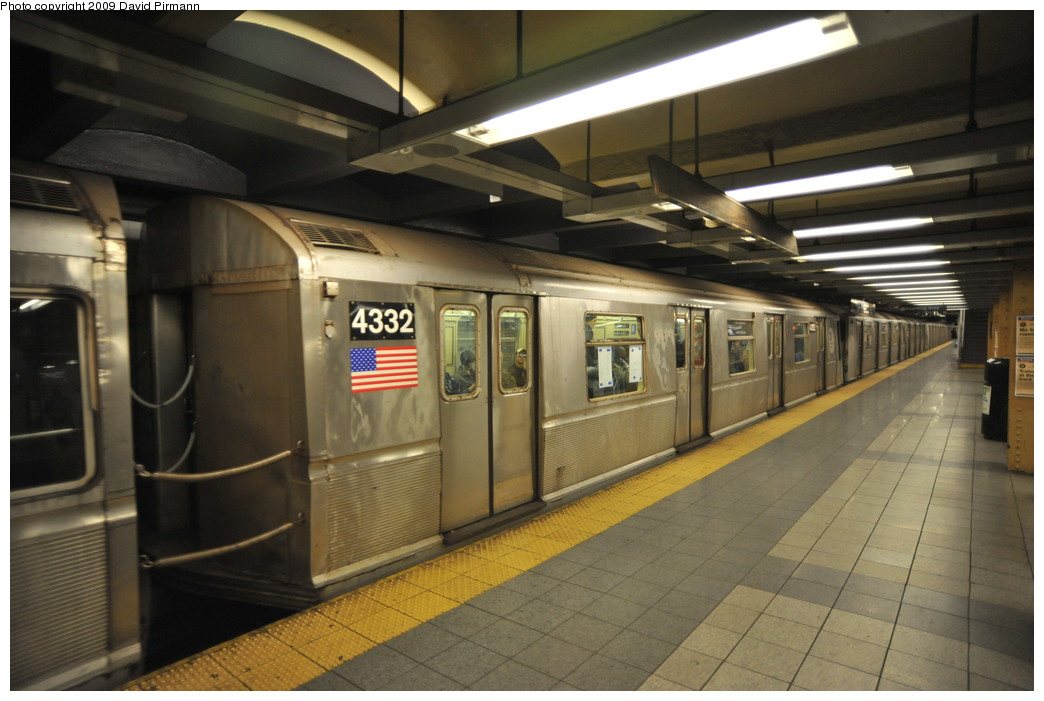 (230k, 1044x701)<br><b>Country:</b> United States<br><b>City:</b> New York<br><b>System:</b> New York City Transit<br><b>Line:</b> IND 8th Avenue Line<br><b>Location:</b> 14th Street <br><b>Route:</b> A<br><b>Car:</b> R-40 (St. Louis, 1968)  4332 <br><b>Photo by:</b> David Pirmann<br><b>Date:</b> 3/15/2009<br><b>Viewed (this week/total):</b> 0 / 577