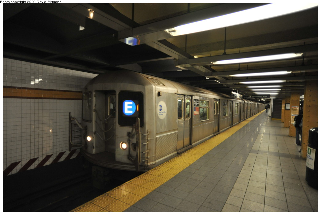 (212k, 1044x701)<br><b>Country:</b> United States<br><b>City:</b> New York<br><b>System:</b> New York City Transit<br><b>Line:</b> IND 8th Avenue Line<br><b>Location:</b> 14th Street <br><b>Route:</b> E<br><b>Car:</b> R-40M (St. Louis, 1969)  4453 <br><b>Photo by:</b> David Pirmann<br><b>Date:</b> 3/15/2009<br><b>Viewed (this week/total):</b> 1 / 1007