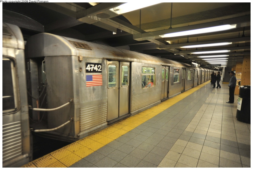 (230k, 1044x701)<br><b>Country:</b> United States<br><b>City:</b> New York<br><b>System:</b> New York City Transit<br><b>Line:</b> IND 8th Avenue Line<br><b>Location:</b> 14th Street <br><b>Route:</b> E<br><b>Car:</b> R-42 (St. Louis, 1969-1970)  4742 <br><b>Photo by:</b> David Pirmann<br><b>Date:</b> 3/15/2009<br><b>Viewed (this week/total):</b> 0 / 840