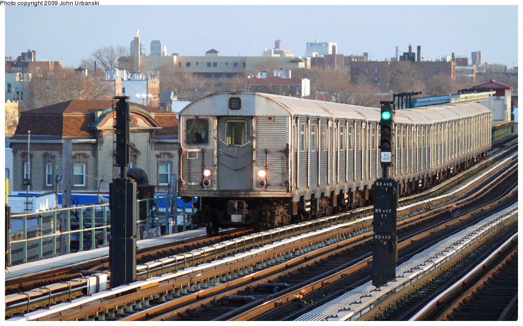(318k, 1044x651)<br><b>Country:</b> United States<br><b>City:</b> New York<br><b>System:</b> New York City Transit<br><b>Line:</b> BMT Culver Line<br><b>Location:</b> Bay Parkway (22nd Avenue) <br><b>Route:</b> F<br><b>Car:</b> R-32 (Budd, 1964)  3522 <br><b>Photo by:</b> John Urbanski<br><b>Date:</b> 3/17/2009<br><b>Viewed (this week/total):</b> 0 / 650